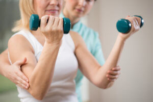 ЛФК – это метод лечения, основанный на физических упражнениях