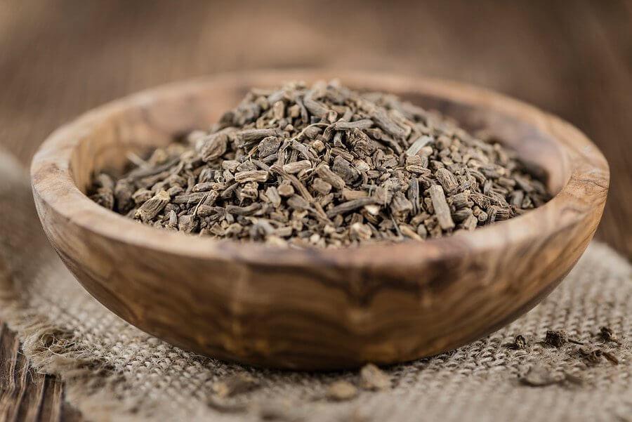 Валерианы корень  лечебные свойства и противопоказания