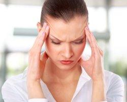 Головная боль, головокружение и шум в ушах - основные признаки перепадов АД