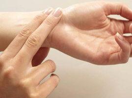 Пальпация - самый просто способ измерения пульса