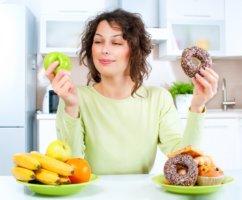 Неправильное питание и образ жизни повышает уровень холестерина в крови