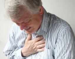 Одышка – один из главных признаков заболевания сердца