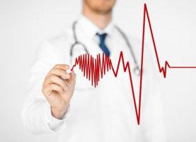 Сильное сердцебиение – первый сигнал к тому, что нужно обратиться к кардиологу!