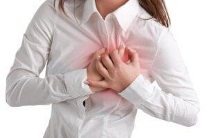 При приступе тахикардии нужно успокоиться и начать правильно дышать