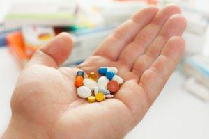 Медикаментозное лечение зависти от причины повышения свертываемости крови!