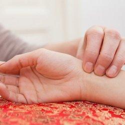 Как снизить учащенный пульс: лекарства и лучшие рецепты