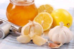 Лимон, мед и чеснок – эффективнее народное средство от одышки