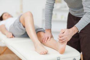 Лечение зависит от стадии и характера течения заболевания