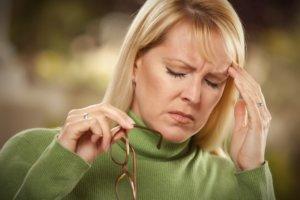Головная боль, головокружение, онемение пальцев рук – симптомы высокого давления