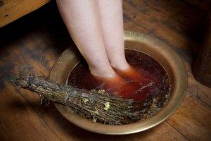 опухают ноги в районе щиколотки причины