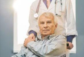 Реабилитация после приступа длительная и зависит от последствий инсульта