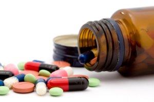 Медикаментозная терапия направлена на ликвидацию воспалительных процессов и тромбоза
