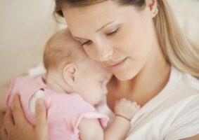Признаки, виды и последствия кровоизлияния в мозг у новорожденных