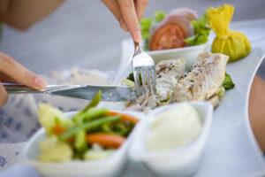 Блюда должны быть правильно приготовлены, желательно со значительным количеством специй и соли
