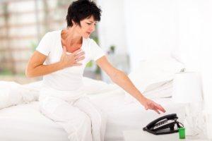 Жжение в груди дополняется другими тревожными симптомами?! – Нужен врач!