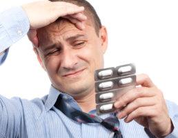 Лечение зависит от причины и степени поражения головного мозга
