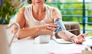 Отклонение давления от нормы – опасное состояние, которое может вызвать серьезные осложнения
