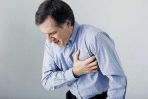ООО повышает риск образования тромбов в сердце и может вызвать инсульт или инфаркт