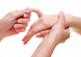 Массаж нормализует кровообращение и снимает болевые ощущения