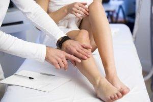 Лечение направлено на устранение причины, которая вызвала появление экхимоз