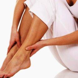 Ломота в ногах: причины, диагностика и лечение симптома