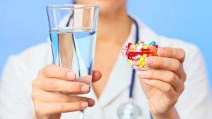Лечение направлено на устранение причины этих симптомов