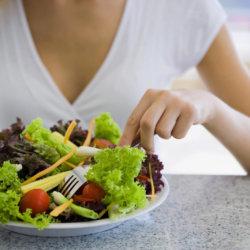 Повышенное давление после приема еды, причины
