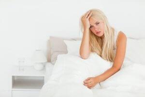 Сильная слабость, бессонница, раздражительность, апатия и  боли в сердце – признаки НЦД