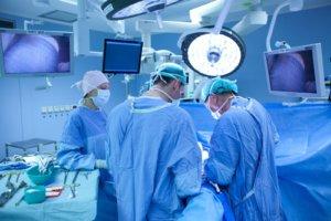 Аневризма лечится только хирургическим путем