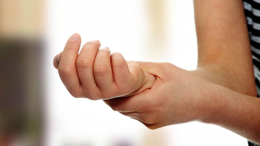 Болят вены на левой руке в области кисти
