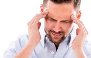 Утренние головные боли, онемения конечностей и потемнения в глазах – признаки патологии