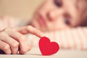 Повышенный уровень холестерина негативно влияет на работу сердечно-сосудистой системы