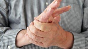 Периодически повторяющееся онемение пальца может говорить о наличии сосудистых патологий