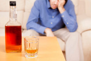 Нарушение памяти, сна, агрессия, тошнота, рвота – признаки заболевания