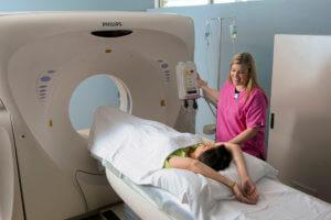 Отличие КТ от МРТ головного мозга — какое обследование выбрать