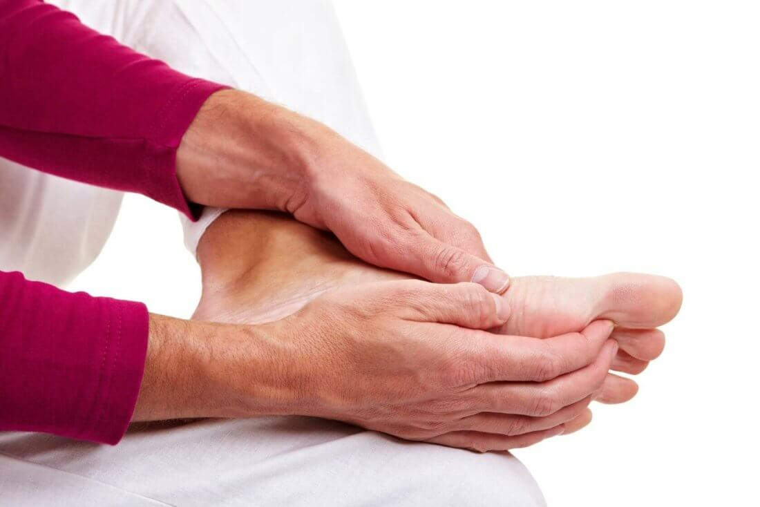Судороги ног у пожилых людей: причины, лечение